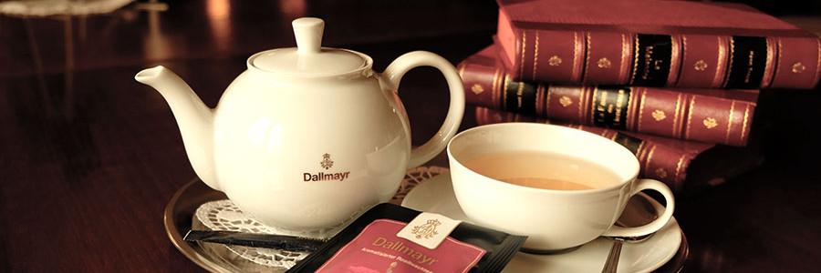 Tee mit Büchern